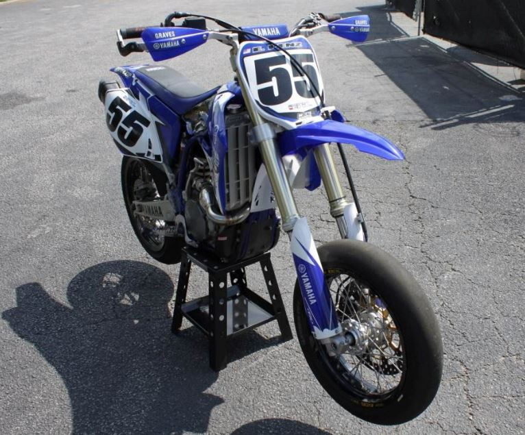 yamaha-yz450f-supermoto-doug-henry-front-right